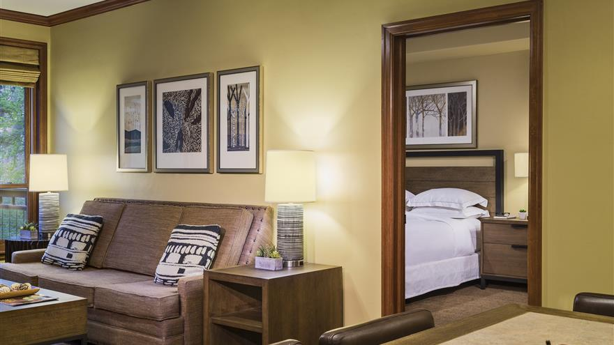 Living area at Valdoro Mountain Lodge located in Breckenridge, Colorado