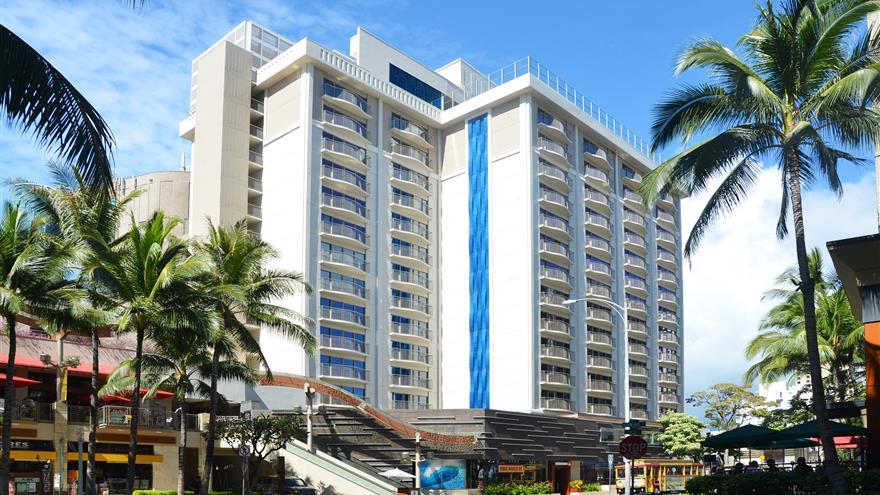 Exterior view of Hokulani Waikiki by Hilton Grand Vacations located at Waikiki Beach, Oahu.