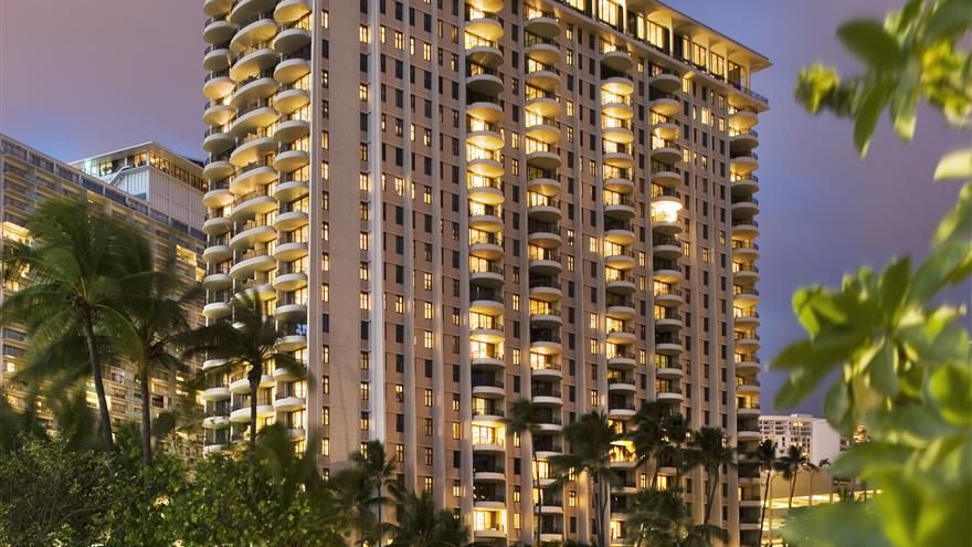 Exterior of Lagoon Tower by Hilton Grand Vacations at Oahu, Hawaii.