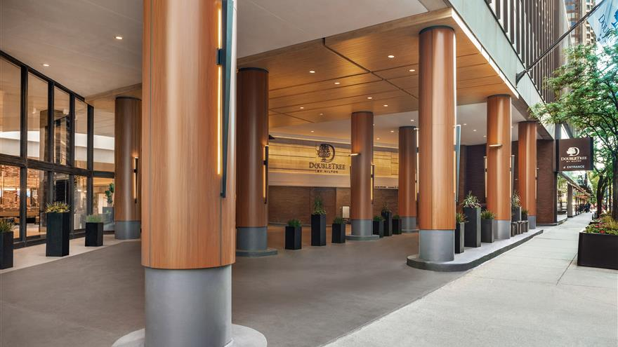 Entry to Hilton Grand Vacations Chicago Downtown /Magnificent Mile located in Illinois.