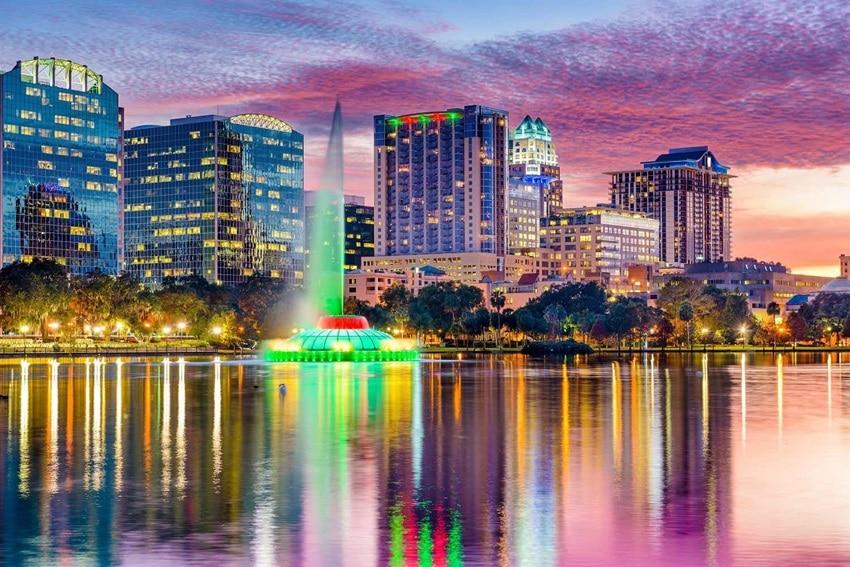 Lake Eola, downtown Orlando, Fl