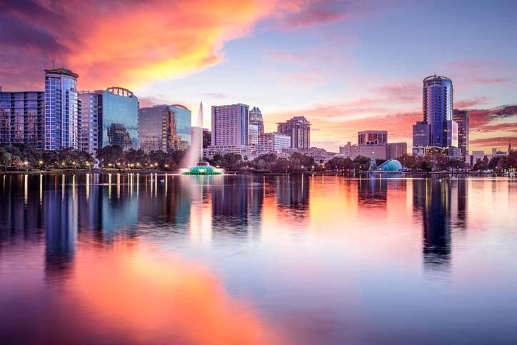 Sunset over Lake Eola in Downtown Orlando, Florida.