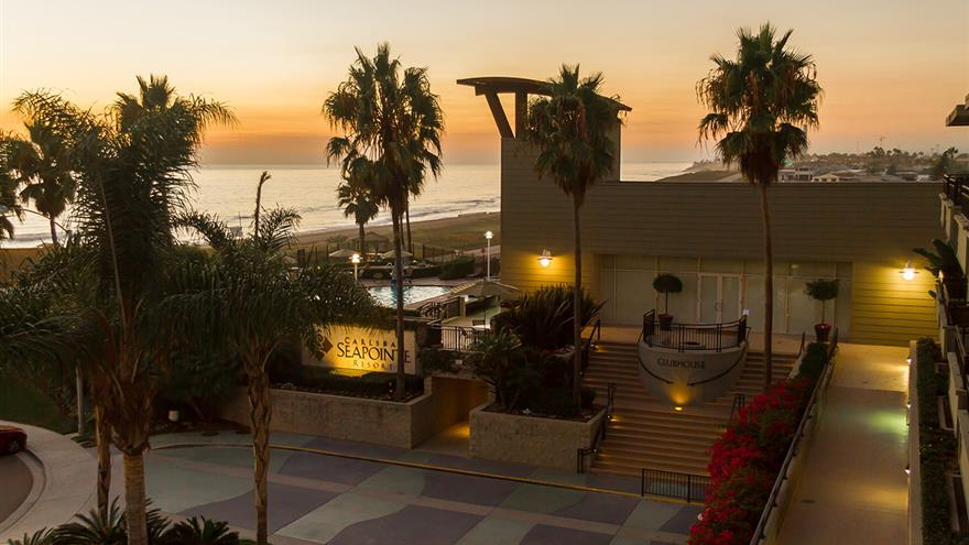 Overhead view of the Carlsbad Seapointe Resort with the Pacific Ocean in the background.