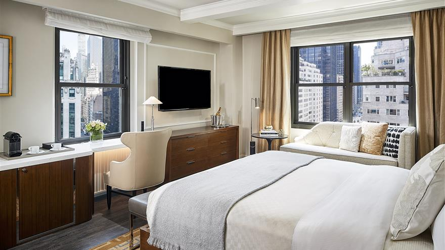 Bedroom at The Quin by Hilton Club located in New York.