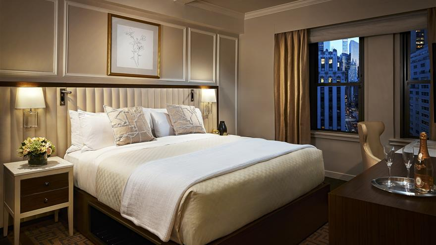 Bedroom with a king-size bed at The Quin by Hilton Club located in New York.